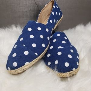 Bamboo blue flats shoes with White dots
